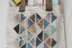 photo transfer tote bag with triangles