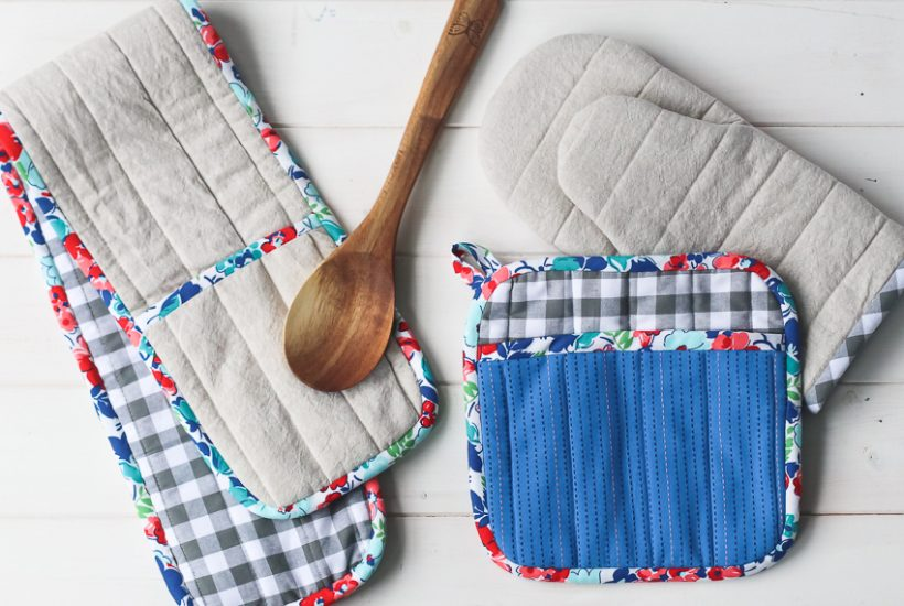 Flower City Potholders | DIY Sewing Pattern for Kitchen | Radiant Home Studio